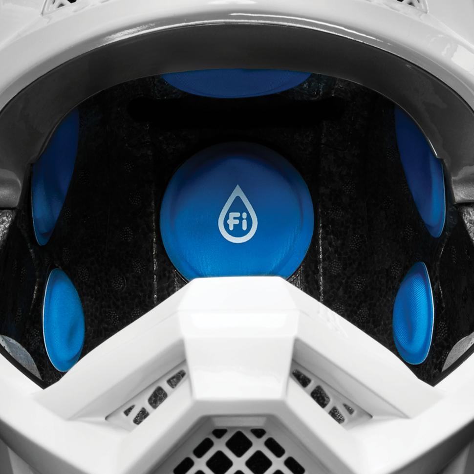 Мотошлем Fox Racing V3 - Технология Fluid Inside